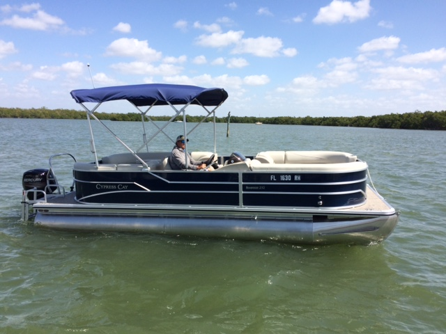 Picture of 23' Cypress Cay Tritoon